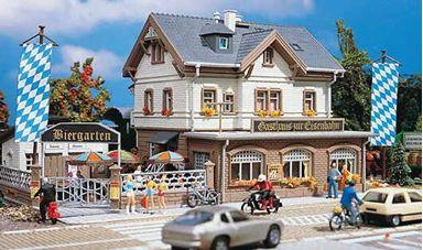 VOLLMER 43663 — Вокзальная гостиница с рестораном и пивным баром, 1:87