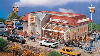 VOLLMER 43632 — Ресторан фаст-фуд «BURGER-KING», внутреннее освещение в комплекте, 1:87