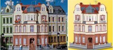 KIBRI 39100 — Угловой дом в Бонне, H0