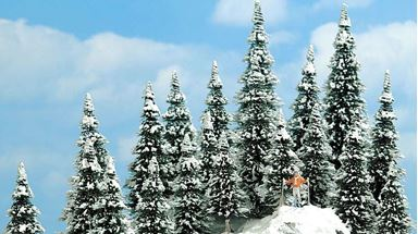 BUSCH 6466 — Ели в снегу (20 деревьев ~60—135мм), 1:72-1:220