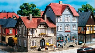 AUHAGEN 12346 — Два жилых дома «Bahnhofstraße №9 и №11», 1:87—1:120