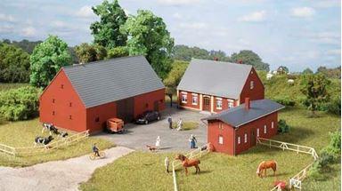 AUHAGEN 11439 — Сельский двор, ферма (3 строения), 1:87