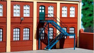 AUHAGEN 80101 — Внешняя лестница в наборе с дополнениями, H0