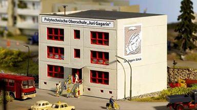 PIKO 61150 — Политехнический колледж «Juri Gagarin», 1:87