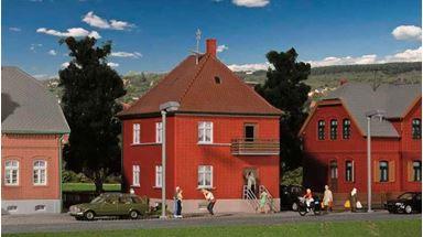 KIBRI 38716 — Кирпичный дом на заводской улице, H0, 1:87