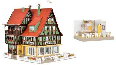 VOLLMER 43695 — Жилой дом с кафе-бистро, (освещение в комплекте), 1:87