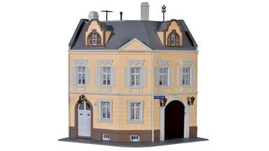 KIBRI 38387 — Угловой многоквартирный жилой дом на «Schillerplatz», 1:87