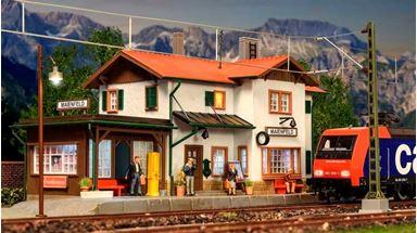 KIBRI 39496 — Станция «Maienfeld» (свет), 1:87