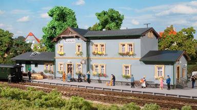 AUHAGEN 11329 — Вокзал железнодорожный «Radeburg», 1:87