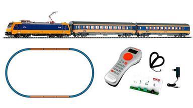 PIKO 59005 — Цифровой стартовый набор «Пассажирский состав с электровозом BR 185», H0, VI, NS, PIKO SmartControl®
