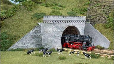 AUHAGEN 11343 — Туннельный двухпутный портал  (2 шт.), 1:87