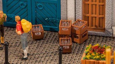 FALLER 180953 — 4 ящика с бутылками, 1:87
