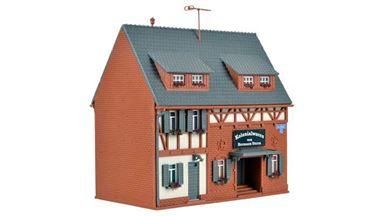 VOLLMER 43652 — Дом с магазином сувениров из колониальных стран, 1:87
