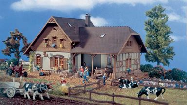 VOLLMER 43744 — Фермерский дом, 1:87