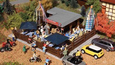 VOLLMER 43784 — Пивной дворик бара разливного пива, 1:87