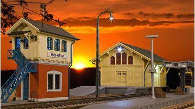 KIBRI 38994 — Станция «HOFHEIM» (пакгауз, диспетчерский пост и платформа), 1:87