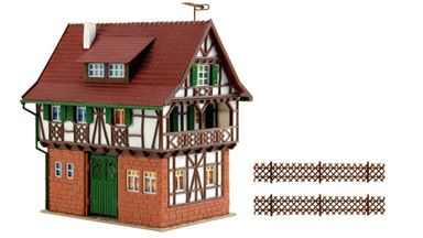 VOLLMER 43734 — Дом мастера кожевенных изделий, 1:87