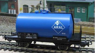 PIKO 57719 — Цистерна двухосная «ARAL», H0, III, DB