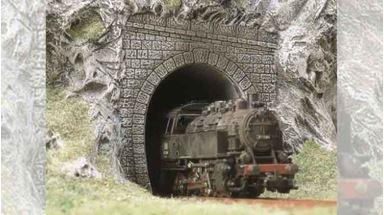 BUSCH 7025 — Порталы для паровозов однопутные (2 шт.), 1:87