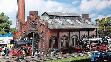 FALLER 120159 — Депо на 1 локомотив, 1:87, 1880–1920