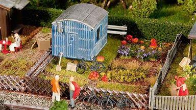 FALLER 180490 — Огород со строительной бытовкой, 1:87, 1946–1977