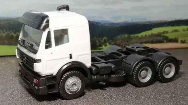 RUSAM-MB-00 — Седельный тягач Mercedes-Benz® (белый), 1:87