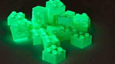 HUBELINO 403834 — 1 кубик размером 2×2 шипа флуоресцентный (светящийся в темноте)