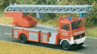 BUSCH 5608 — Автомобиль пожарной службы MB® LP 809 (световая сигнализация), 1:87