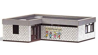 BUSCH 1434 — Детский сад, 1:87