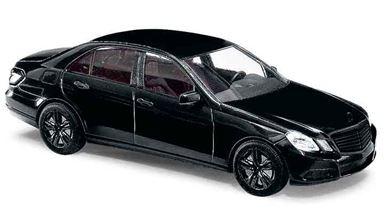 BUSCH 44212 — Лимузин Mercedes-Benz® Е-класс «Black Edition», 1:87