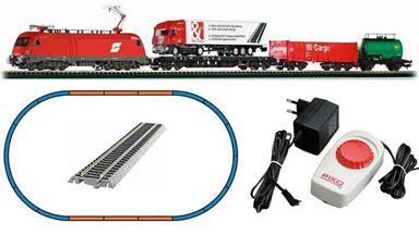 PIKO 57177 — Аналоговый стартовый набор «Грузовой поезд с электровозом Taurus», H0, V, ÖBB