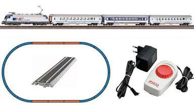 PIKO 97931 — Аналоговый стартовый набор «Пассажирский поезд «Taurus», Н0, III, PKP