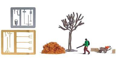 BUSCH 7852 — Фигурка с воздуходувкой, листья, саженец, тачка, бензопила, канистра и инструменты, 1:87