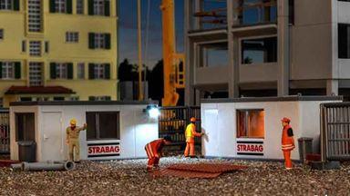 KIBRI 38626 — Строительные контейнеры «STRABAG» и ограждения (внутренний свет), 1:87