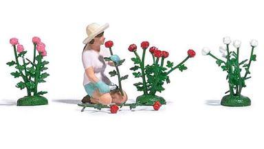 BUSCH 7878 — Сборщица роз с кустами роз разных цветов и отдельными розами, 1:87