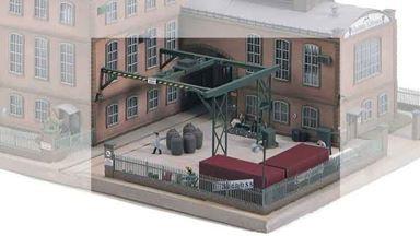 PIKO 61119 — Хозяйственный двор стекольного завода «E.Strauss», 1:87