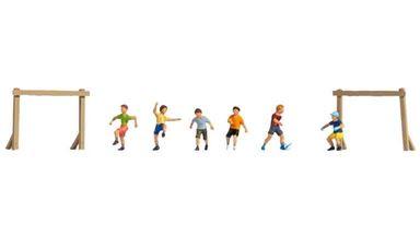 NOCH 15817 — «Дети играют в футбол» (набор фигурок), 1:87