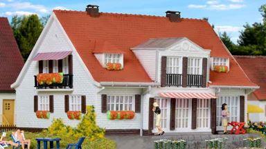 KIBRI 38332 — Загородный дом в Клоппенбурге, 1:87