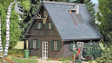 BUSCH 1920 — Лесной домик, 1:87